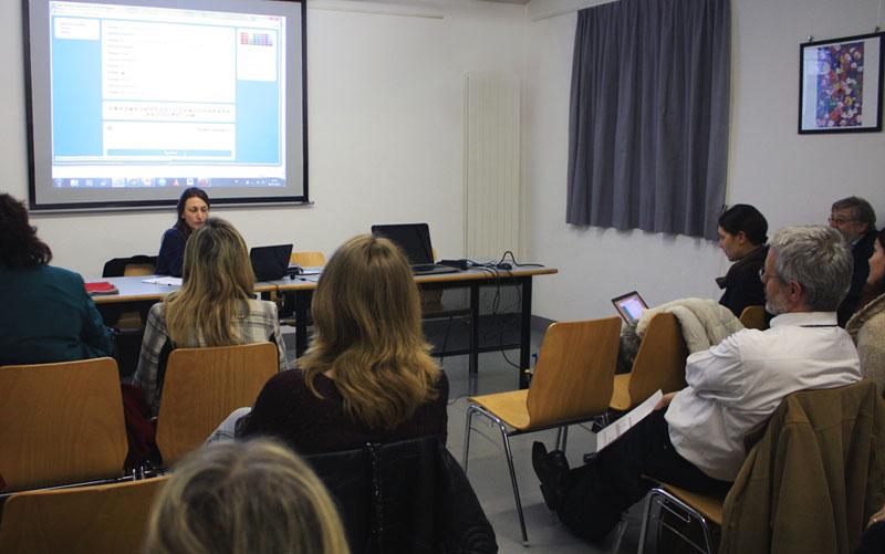 Simulazione di una consulenza via chat. Tutti i presenti hanno partecipato con entusiasmo ed interesse.
